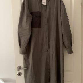 HUMBLE BY SOFIE BUCKA kjole