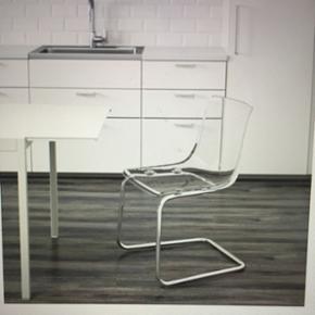 Sælger 4 stole  Næsten ikke brugt. Nypris 495 kr pr. Stol Kom med et bud Sælges også seperat