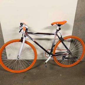 Fixie bike. Passer en person med højde omkring 155 cm. Aldrig brugt.