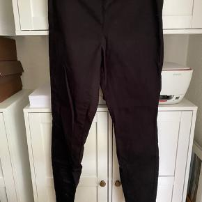 Lækker leggings bukser  Str 42 - men små ( 38/40) Mp 100 pp