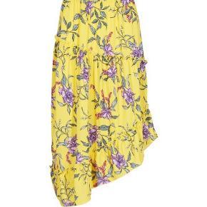 Brugt ganske lidt. Rigtig smuk nederdel.   #30dayssellout