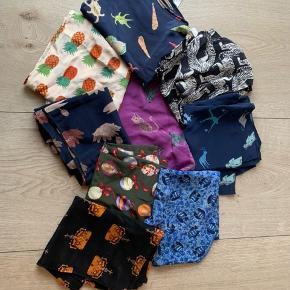 75/stk 100% silke  Ca 36 cm*160 cm Se mine andre annoncer med Charlotte s tørklæder