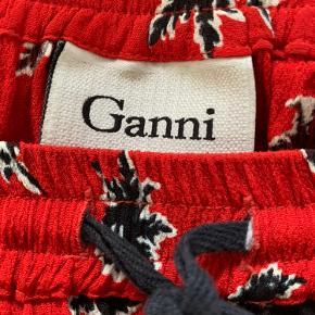 Fin nederdel fra Ganni