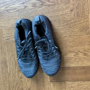3D knitted trainers, super comfortable!