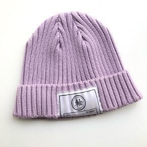 Axel Arigato hat & hue