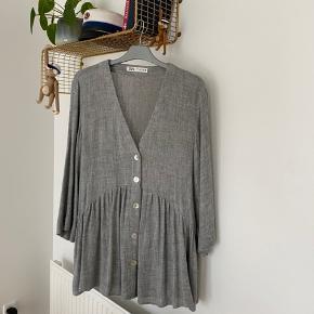 Fin bluse/tunika fra Zara, passer en s/m  70kr