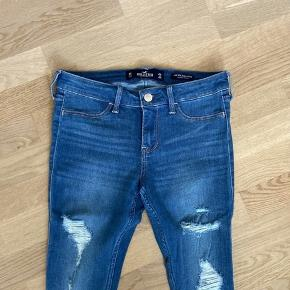 Størrelse 26/28. Aldrig brugt. Skinny jeans