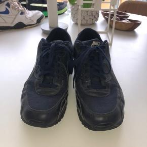 Nike air max 90 brugt nogle gange, virkelig lækre sko.