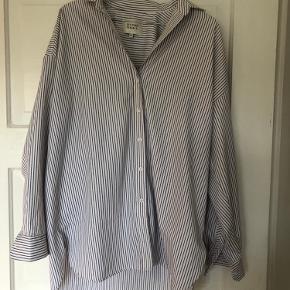 Oversize skjorte fra Second Female.