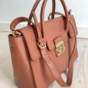 Furla Metropolis Medium Satchel - a stylish, simple and timeless bag. Only used it a few times. Comes with original dust bag.