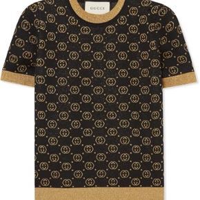Sælger denne smukke top fra Gucci. Den har været brugt 1 time. Nypris er 650 euro. Den er købt på mytheresa og kvittering medfølger.