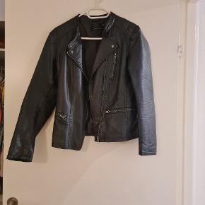 """""""læder""""-jakke i god stand"""