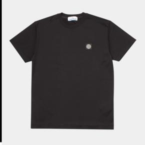 Stone Island sort T-shirt | Str. Small | Ny pris 800DKK