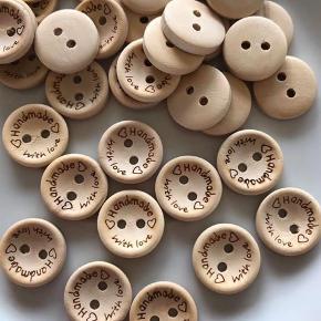 Handmade knapper Dia 1,5 cm Kan sendes med postnord for kr 10,- Kr 1,- pr stk