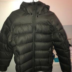 """Peak performes jakke model """"Frost Down"""" str. S.  Er 186 og den passer perfekt (stor i størrelsen)"""