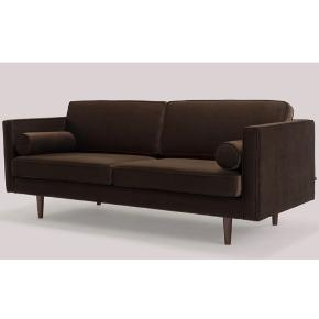 Helt ny sofa fra Sofakompagniet, kan afhentes på Østerbro , før pris 5999.- sælges for 3500.- sofaen er helt ny , kasse med emballage medfølger , dog lettest at bære ned og op uden :)