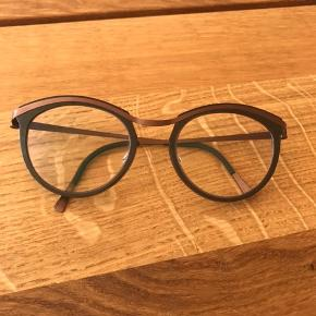 Lindberg Strip Titanium 9900 briller / brillestel, absolut fine som nye. Brugt i meget kort periode, da jeg har en anden favoritbrille.  Nypris 3.300 kr  Bytter ikke.