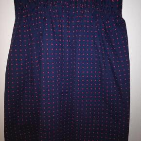 Sød nederdel fra Danefæ. I fin stand.