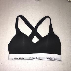 Calvin Klein bralette Str M Købt for 380kr i Wunderwear Aldrig brugt