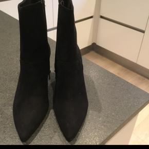 Flotte sort støvletter aldrig brugt