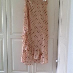 Super fin Nederdel, nypris 1250kr, byd gerne