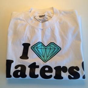 DGK Diamond T-Shirt. Dame. Str. M. Kan sendes mod betaling af porto kr. 40,00 med DAO.