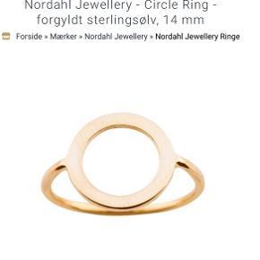 Super flot ring fra Nordahl. Er aldrig brugt, da jeg har fået den i gave og har en præcis magen til bare i sølv😊  Kom med et bud