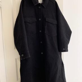 Second Female frakke