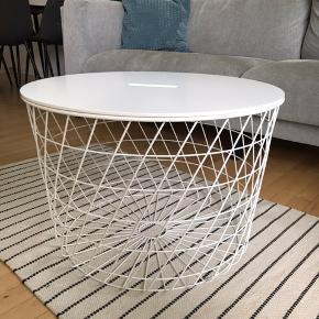 Kvistbro, bord med opbevaring   Størrelse:  H: 42 cm  D: 61 cm