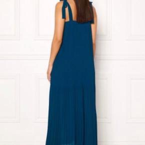 Flot Ramini kjole.  Brugt 1 gang til bryllup, så fremstår som ny.