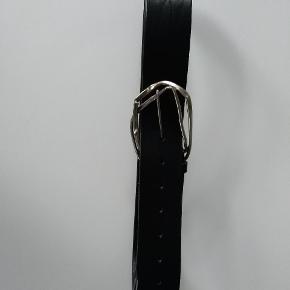 Bælte i læder. 110 cm  GRATIS FRAGT VIA TS  11-12,dec