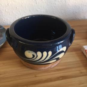 Keramik skål -fast pris -køb 4 annoncer og den billigste er gratis - kan afhentes på Mimersgade 111 - sender gerne hvis du betaler Porto - mødes ikke andre steder - bytter ikke