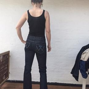 W29 l32 model Iris  Retro bukser i den gode gamle jeans kvalitet der ikke kan slides op- aldrig brugt