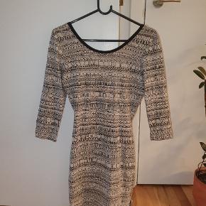 Stussy kjole