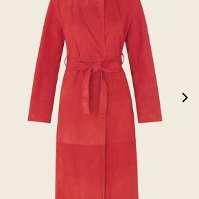 Stine Goya Ruskindsfrakke. Brugt 2-3 gange. Fremstår som ny. Ny pris 3800kr.