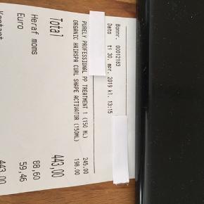 Har lige købt to fantastiske plejemidler til krøllet hår, hos frisøren ,men må erkende, jeg stadig ikke er til mine krøller. Jeg har prøvet det en gang, og vil gerne sælge det igen.  Jeg har givet 443kr og som sagt kun brugt det engang. Vil gerne sætte det ned til 395kr Afhentes nær sygehuset i Roskilde eller sendes på købers regning .