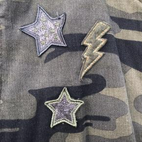 Militærjakke fra Zara Ingen tegn på slid