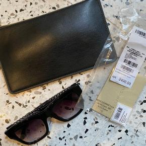 STELLA MCCARTNEY SC0011S 005 Sort / grå GRADIENT solbriller, brugt få gange - kommer i original etui. Skal lige strammes til da de er brugt til min ansigtsform.  Respekter venligst at jeg ikke bytter og køber betaler porto samt gebyr ved tspay.