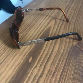Sælger disse smarte D&G solbriller. Byd❤️❤️❤️❤️❤️💓🌞💞