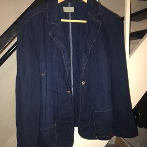 Vild denim blazer blå med tynde striber, mp:40kr