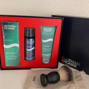 Lækkert sæt fra Biotherm samt meraki barberbørste sælges samlet. Intet er brugt