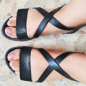 Super lækre sandaler, brugt få gange 😊