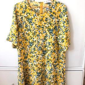 Samsøe Samsøe kjole, meget lille i størrelsen (er selv en Small eller Medium) 😊