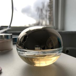 DKNY Golden delicious parfume 50 ml, der er måske brugt 1/3