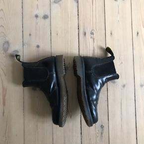 Model: 2976 Leather Chelsea Boots  Kan ses og prøves på Islands Brygge Køber betaler forsendelse!