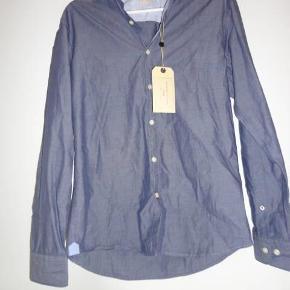 Varetype: Skjorte Farve: Blå Oprindelig købspris: 299 kr.