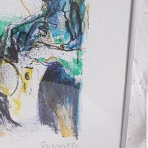 Nedsat pris grundet afvikling. Utrolig dejlig mellemstort litografi af nøgen kvinde malet med dejlige streger former og farver. Ukendt signatur  men se billed af signatur. Måske kender du kunstneren. Nok nærmest symbolisme.