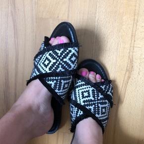 Sandaler/flats fra Promod. De fremstår helt som nye.  Nypris 200