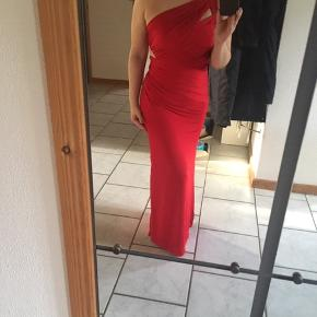Beautiful red galla dress by BEBE.  I wore it once to a galla.  It has a slit at the bottom.  I'm 155 so you can get an idea of how long it will fit you.  It's a head turner and looks gorgeous!  It's perfect for the holiday parties.