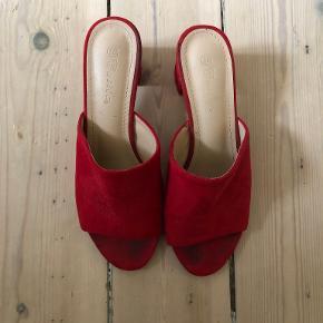 Rude sandaler